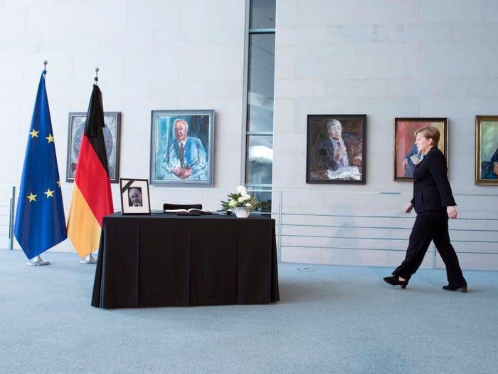 Merkel khởi đầu ngày mới bằng việc dùng bữa sáng cùng chồng, tức ông Joachim Sauer.