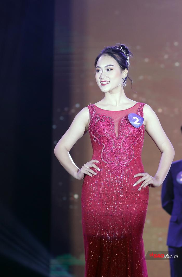 Giải Á khôi 1 chung cuộc thuộc về Phùng Trang Linh sau 5 phần thi xuất sắc.