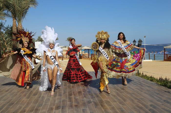 Thúy An trình diễn Điểu tinh đoạt công chúa: Đẹp  Độc đáo  Quyết giật giải Best National Costume! ảnh 5