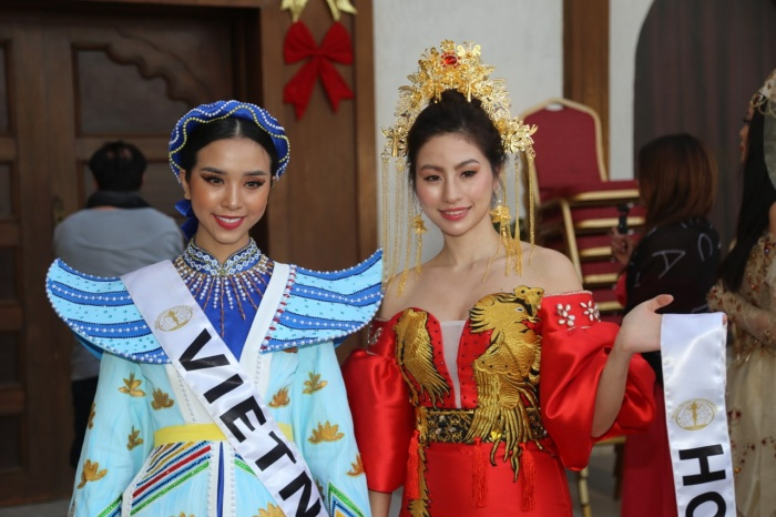 Thúy An trình diễn Điểu tinh đoạt công chúa: Đẹp  Độc đáo  Quyết giật giải Best National Costume! ảnh 1