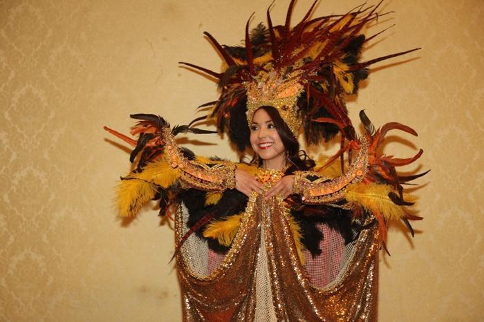 Thúy An trình diễn Điểu tinh đoạt công chúa: Đẹp  Độc đáo  Quyết giật giải Best National Costume! ảnh 3
