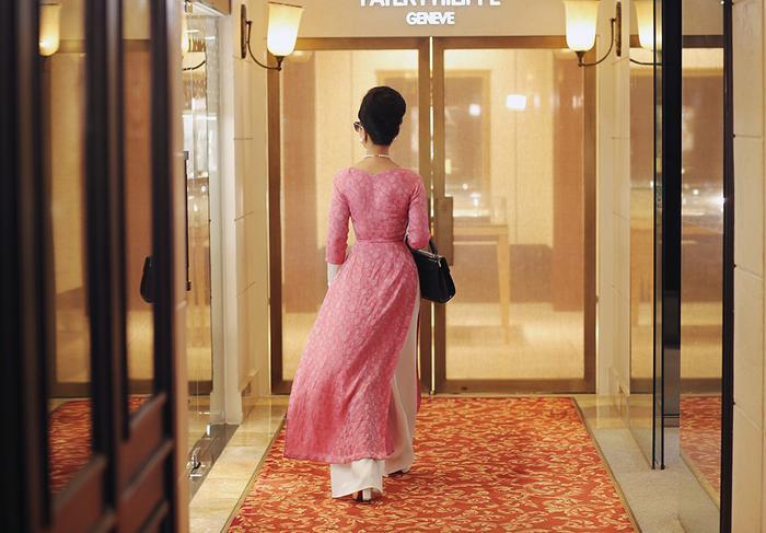 NSƯT Chiều Xuân mặc áo dài cổ thuyền, tái hiện hình ảnh Đệ nhất phu nhân Trần Lệ Xuân ảnh 0