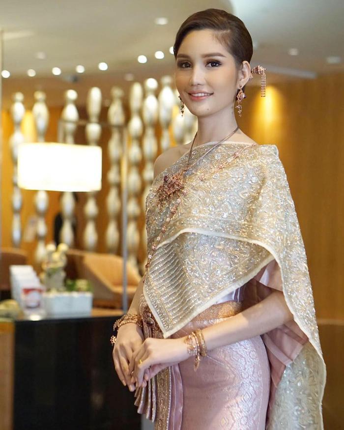 Lộ diện 2 đối thủ đáng gờm của Hoài Sa tại MQI 2020: Hoa hậu Nhật già dặn, đại diện Thái Lan quá xinh đẹp ảnh 5