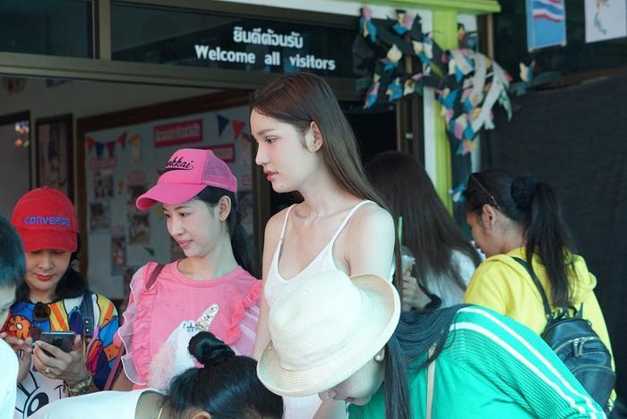 Lộ diện 2 đối thủ đáng gờm của Hoài Sa tại MQI 2020: Hoa hậu Nhật già dặn, đại diện Thái Lan quá xinh đẹp ảnh 6