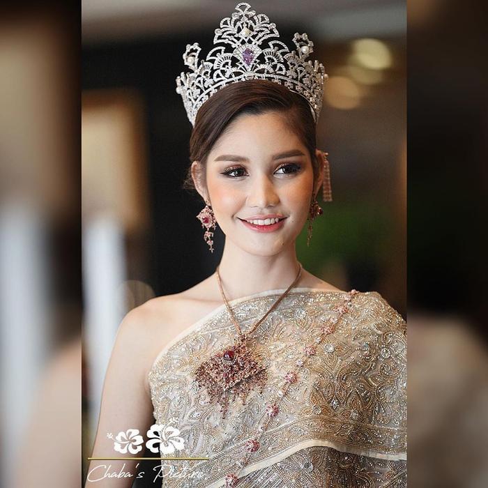 Lộ diện 2 đối thủ đáng gờm của Hoài Sa tại MQI 2020: Hoa hậu Nhật già dặn, đại diện Thái Lan quá xinh đẹp ảnh 2