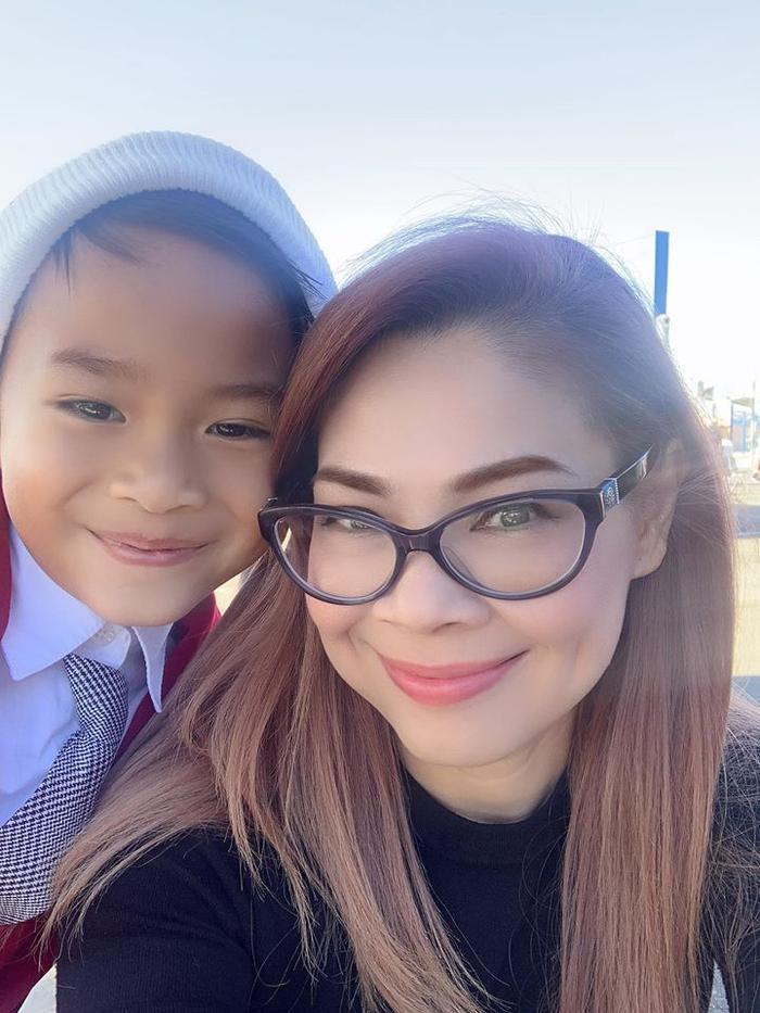 Ca sĩ Thanh Thảo và con trai nuôi Jacky Minh Trí