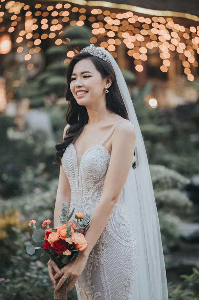 Hoa khôi ĐH Xây dựng 2011, Top 5 Hoa hậu Hoàn vũ Việt Nam 2017 - Bùi Thanh Hằng (sinh năm 1993, Hà Nội) mới đây đã kết hôn với bạn trai Trịnh Quang Trường.
