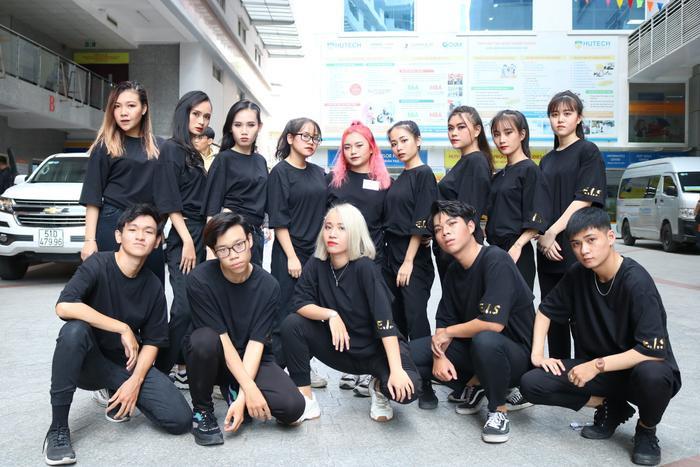 E.I.S Crew