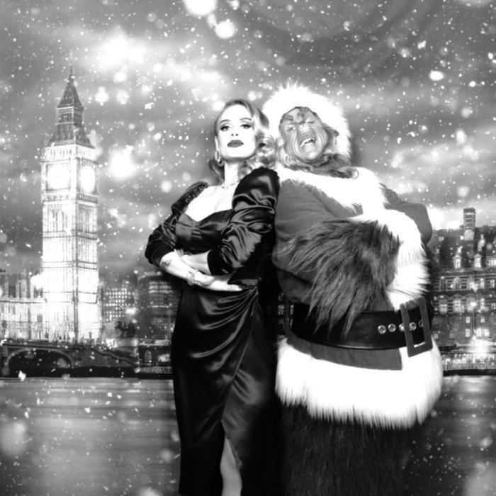 'Họa mi nước Anh' Adele xuất hiện mảnh mai tại tiệc giáng sinh