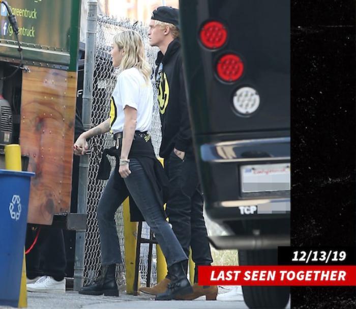 Miley Cyrus nói gì khi Cody Simpson đi cùng cô gái khác