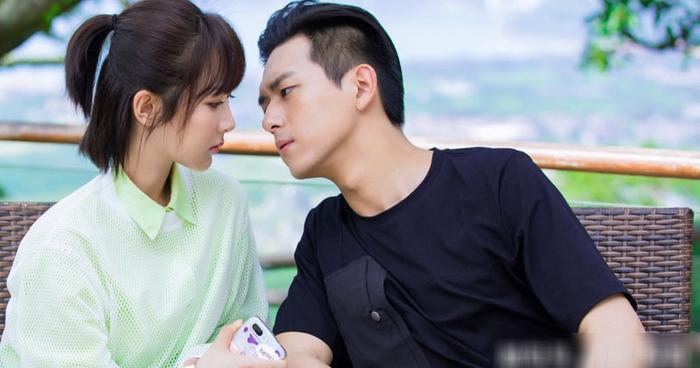 Cặp đôi vững mạnh nhất màn ảnh Hoa ngữ 2019: Tiêu Chiến  Vương Nhất Bác, Lý Hiện  Dương Tử hay Dịch Dương Thiên Tỉ  Châu Đông Vũ? ảnh 25