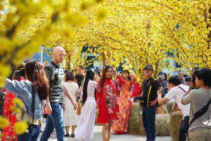 Du xuân Canh Tý 2020 tại TP HCM, bạn không nên bỏ qua những địa điểm vui chơi thú vị này! ảnh 2