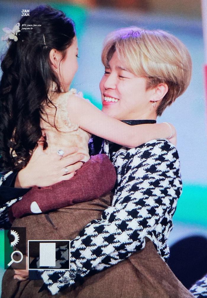 10 khoảnh khắc đẹp nhất của SBS Gayo Daejeon 2019! ảnh 0