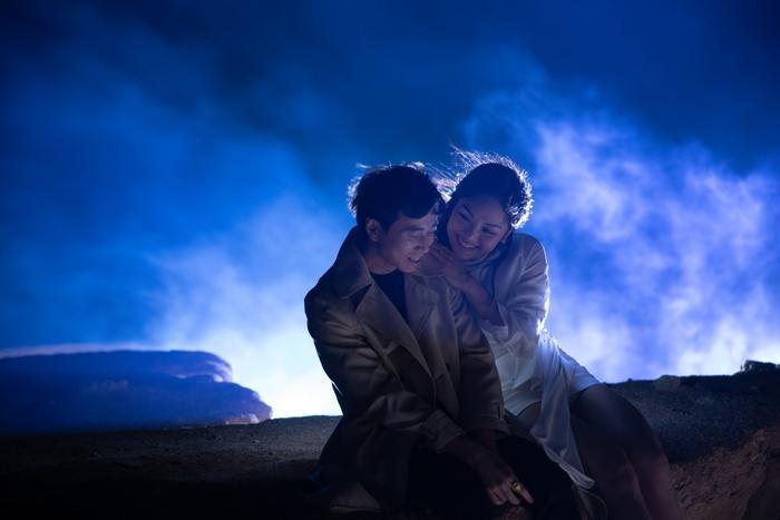 Miu Lê - Karik khóc đẫm nước mắt, diễn xuất nổi da gà trong MV ballad lụi tim