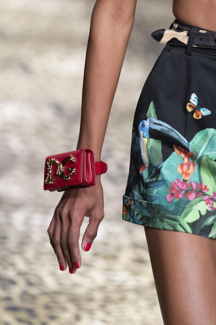 12 xu hướng túi xách mới lạ sẽ thống trị street style năm 2020 ảnh 27