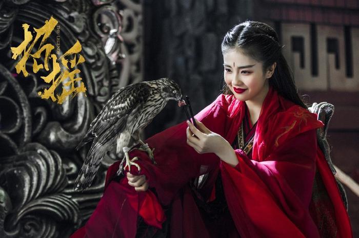 Mỹ nhân Hoa ngữ và màu đỏ vương quyền trong các bộ phim truyền hình ảnh 21