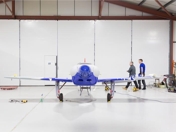 Theo Rolls-Royce, chi phí vận hành và bảo trì máy bay điện sẽ thấp hơn máy bay truyền thống. (Ảnh: Rolls-Royce)