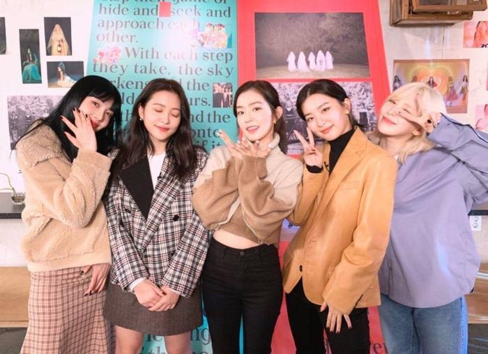 Red Velvet đã cập nhật tình trạng sức khỏe của Wendy tại fansign gần đây.