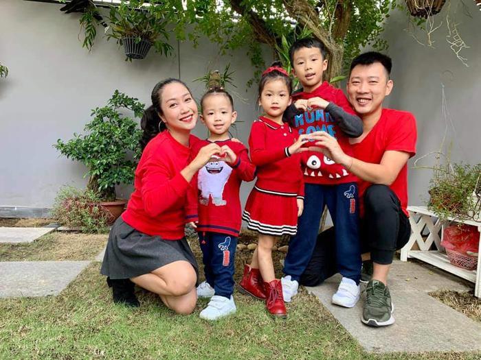 Th gia nh c Thanh Vn Tr Ra cng ng o khng km vib 3 Coca Cola Kakao