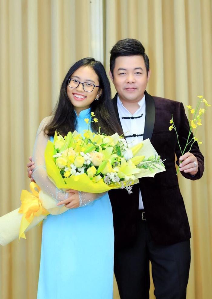 Phương Mỹ Chi chính thức chấm dứt hợp đồng với công ty ba nuôi Quang Lê.