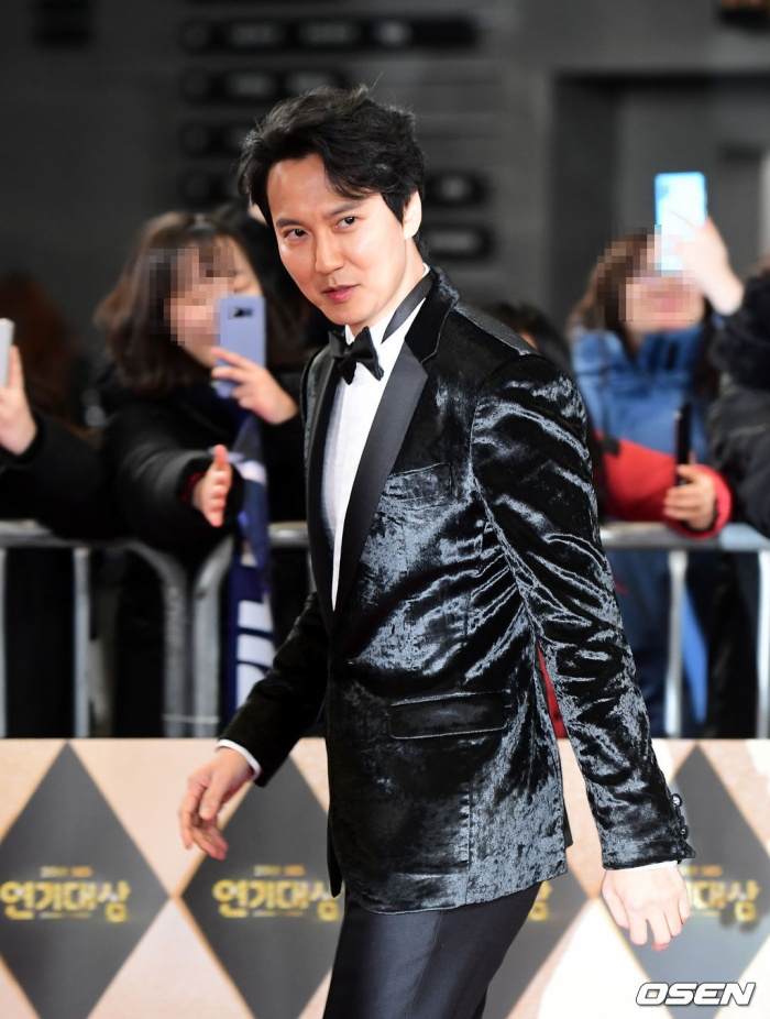 Jang Nara  Kim Nam Gil chạm mặt tại SBS Drama Awards 2019 sau tin đồn kết hôn: Đẹp đôi đến lạ! ảnh 9