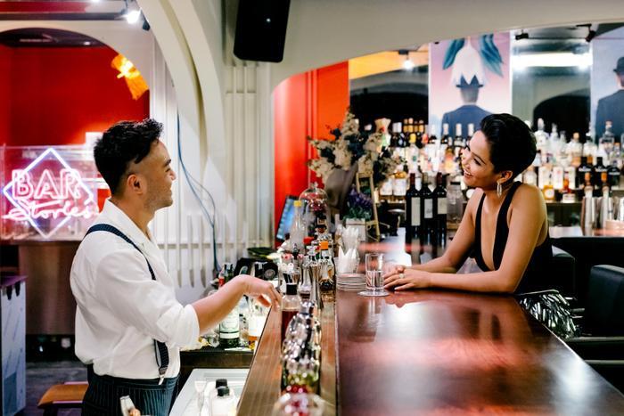 Hoa hậu H'Hen Niê cũng từng là khách mời của Bar Stories.