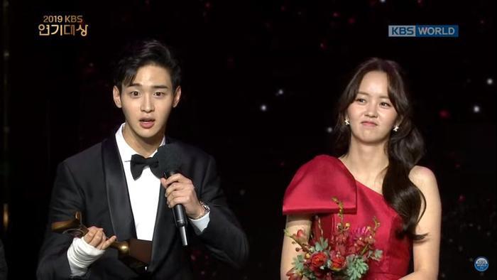 Kết quả KBS Drama Awards 2019: Gong Hyo Jin giành giải Deasang Kim So Hyun và Jang Dong Joon là cặp đôi được yêu thích nhất ảnh 8