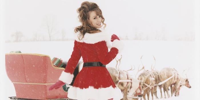 """All I Want For Christmas Is You tiếp tục """"chễm chệ"""" vị trí nhất bảng của danh sách Billboard Hot 100 trong tuần này."""