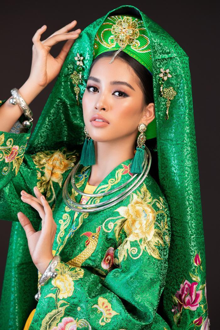 Mặc dù có ít kinh nghiệm cạnh tranh tại các cuộc thi nhan sắc nhưng Tiểu Vy đã chứng minh được thực lực của bản thân khi in-top 30 Miss World 2018 cùngDự án nhân ái xuất sắc nhất, Top 30 phần thi tài năng và Top 32 Top Model.