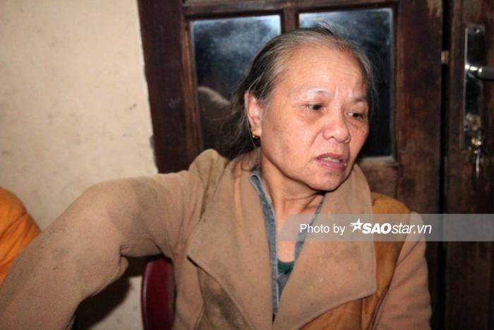 Bà Luân bị cụt một cánh tay khi làm lao động cách đây hơn 40 năm.