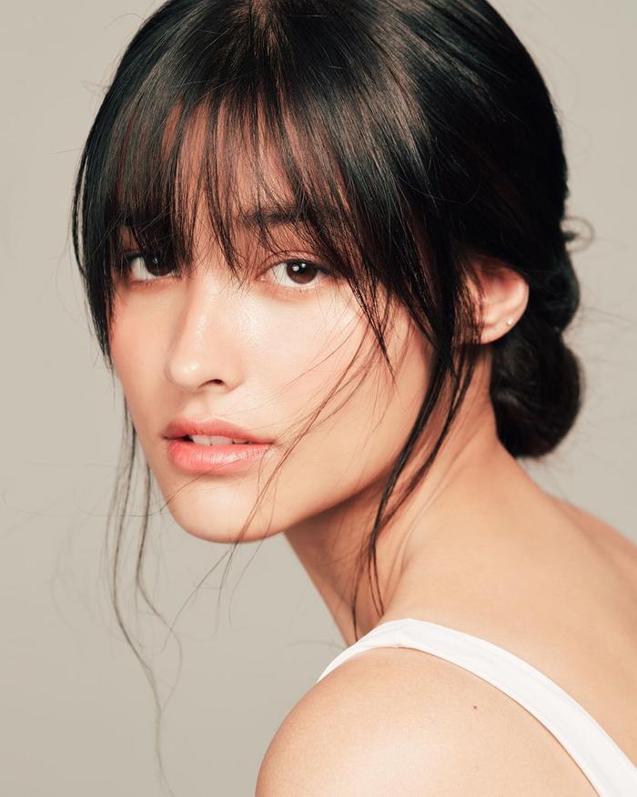 """Về sắc đẹp, kể từ khi thành ngôi sao với bộ phim """"Forevermore"""", Liza được truyền thông Philippines hết lời ca ngợi là một trong những mỹ nhân đẹp nhất của đất nước này. Người đẹp 9X liên tục được đưa vào các bảng xếp hạng mỹ nhân Philippines."""