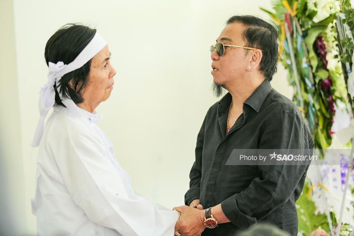 Nghệ sĩ Hồng Tơ gửi lời động viên đến gia đình.
