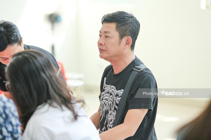 Vợ NSƯT Nguyễn Chánh Tín khóc nghẹn, đông đảo nghệ sĩ xót xa đưa tiễn ảnh 10