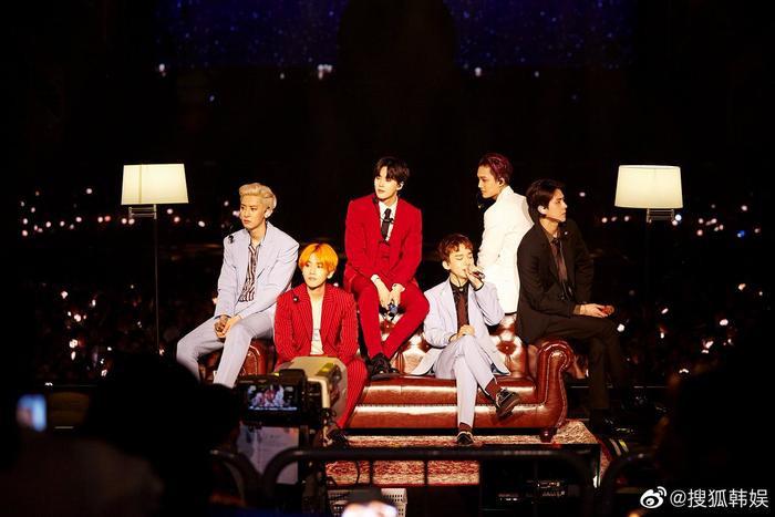 Dù không tham dự, EXO cóđến 2 màn nhận giải album tại Golden Disc Awards 2020.