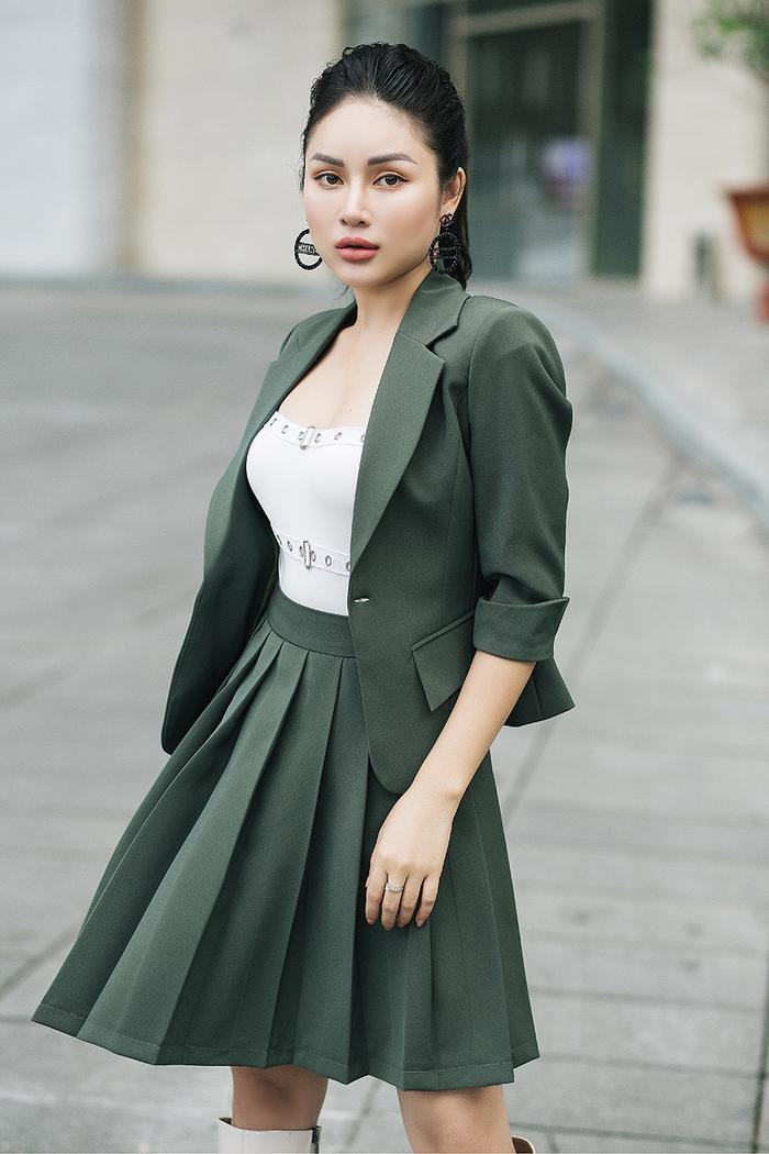 Diện đồ ton-sur-ton luôn bắt mắt, tạo cảm giác thời trang cho người mặc và luôn phù hợp với mọi dáng người.