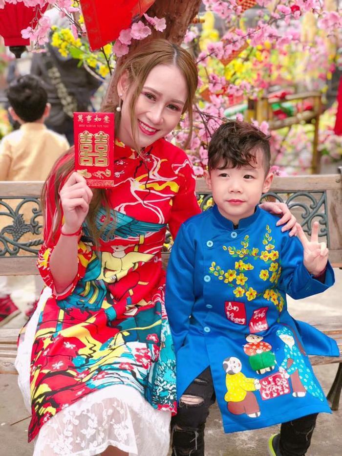 Giành HCB đồng đội môn kiếm chém, Lê Minh Hằng hiện tại đang cảm thấy vô cùng bất ngờ và hạnh phúc. Có hai niềm vui lớn trong đời đến với cô gái trẻ cùng một lúc, đó là lần đầu tiên tham gia SEA Games và đạt thành tích cao, đồng thời được nhiều khán giả biết đến, yêu mến.