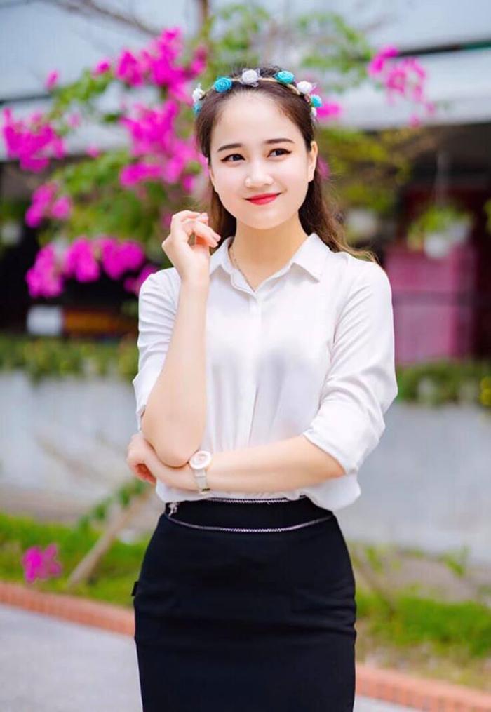 Phương Lan (sinh năm 1997), đăng quang Hoa khôi Sinh viên Việt Nam 2018 khi đang là sinh viên năm 3 khoa Luật Kinh tế của trường ĐH Luật – Huế.
