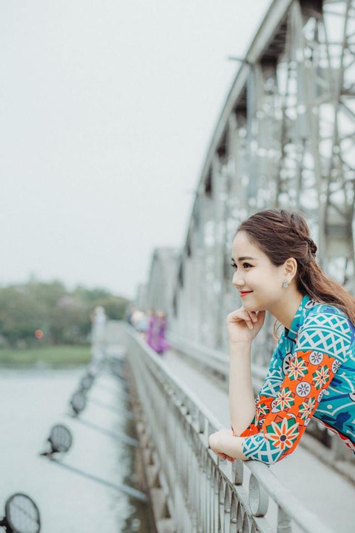 Trở thành Hoa khôi Sinh viên VN 2018 là một cột mốc rất lớn với Phương Lan, cô bạn không chỉ được nhiều cơ hội mới tìm đến mà còn có thêm rất nhiều bạn bè, những người bạn trong cuộc thi, trong ê kíp chương trình.