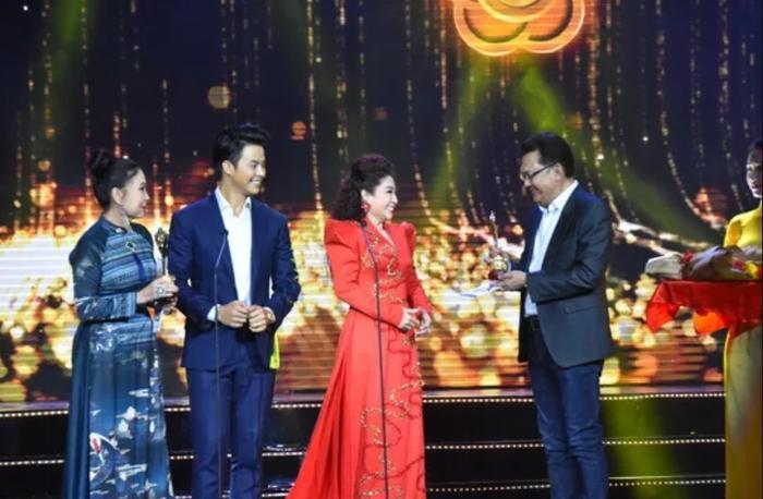 Mai Vàng 2019: Ninh Dương Lan Ngọc  Cao Minh Đạt thắng giải diễn viên được yêu thích nhất ảnh 2