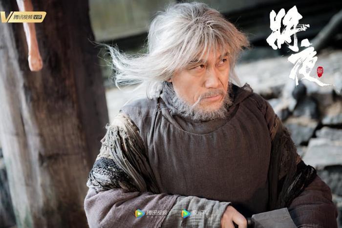 Tương dạ 2 tung poster nhân vật: Vương Hạc Đệ trông khá non, Tống Y Nhân vẫn đáng yêu ảnh 14