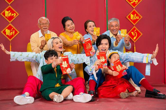 Lần đầu hợp tác, Thiều Bảo Trang và Quang Trung khiến fan choáng vì chiếc bụng siêu to khổng lồ ảnh 3
