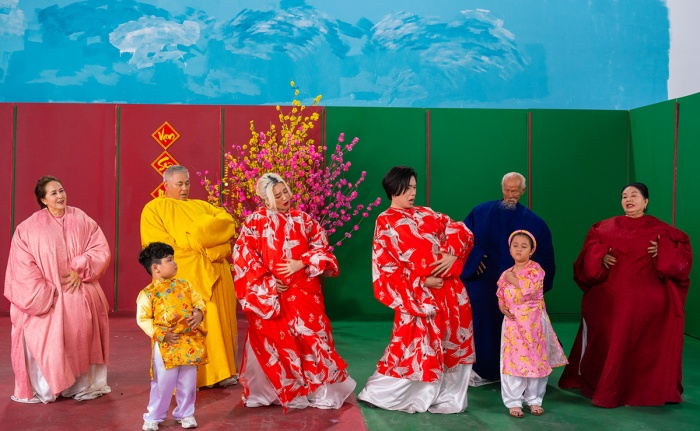 Lần đầu hợp tác, Thiều Bảo Trang và Quang Trung khiến fan choáng vì chiếc bụng siêu to khổng lồ ảnh 4