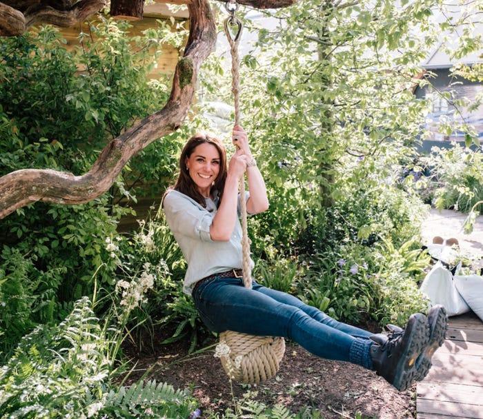 13 khoảnh khắc hài hước chứng minh Kate Middleton cũng giống mọi người vợ người mẹ khác ảnh 14