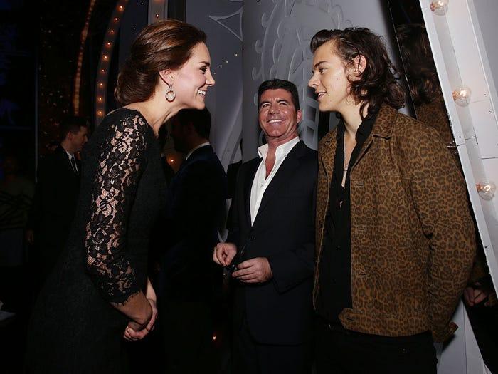 13 khoảnh khắc hài hước chứng minh Kate Middleton cũng giống mọi người vợ người mẹ khác ảnh 13