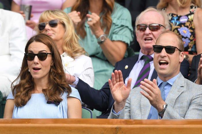 13 khoảnh khắc hài hước chứng minh Kate Middleton cũng giống mọi người vợ người mẹ khác ảnh 17