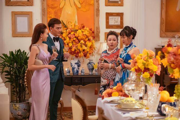 Đạo diễn Gái già lắm chiêu 3: Ngu ngốc mới đi đạo nhái bộ phim Crazy Rich Asians  tượng đài và tự hào của Châu Á ảnh 4