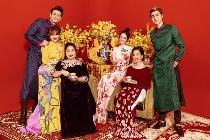 Đạo diễn Gái già lắm chiêu 3: Ngu ngốc mới đi đạo nhái bộ phim Crazy Rich Asians  tượng đài và tự hào của Châu Á ảnh 9