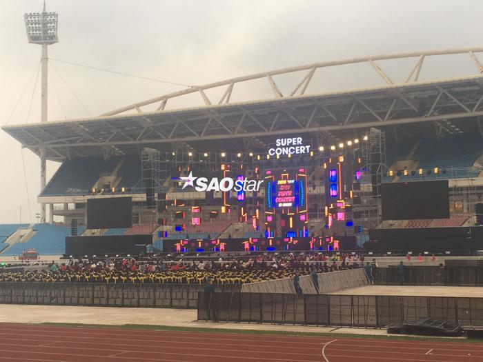 Cập nhật 2020 Kpop Super Concert trước giờ G: Mỹ Đình đông kín, hé lộ những hình ảnh đầu tiên về sân khấu chính thức ảnh 13