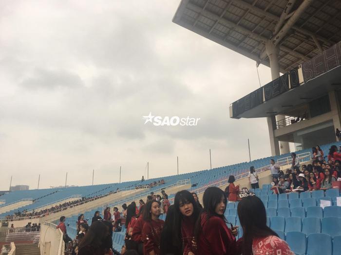 Cập nhật 2020 Kpop Super Concert trước giờ G: Mỹ Đình đông kín, hé lộ những hình ảnh đầu tiên về sân khấu chính thức ảnh 14
