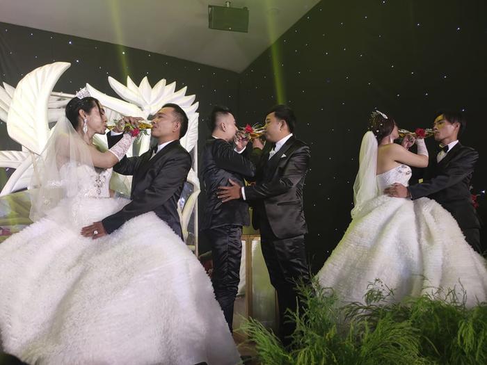 Lâm Khánh Chi chơi lớn tặng quà đặc biệt cho 10 cặp đôi LGBT tại lễ cưới tập thể ảnh 5